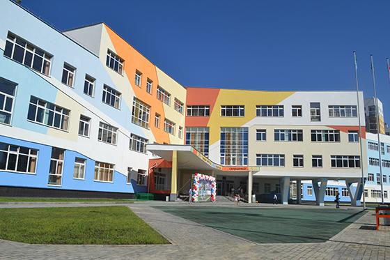 Одну изсамых огромных  школ в РФ  открыли вЕкатеринбурге